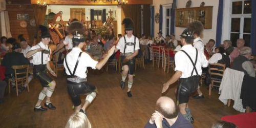 Lederhosen dancers in Munich